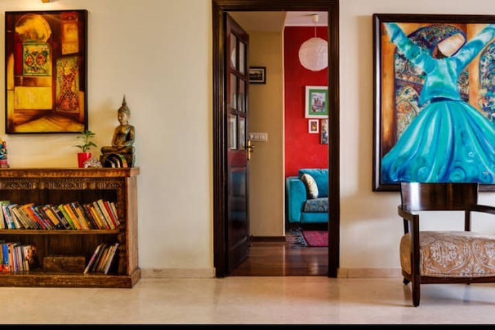 Luxurious Artist home DLF5 /Horizon 20min Airport