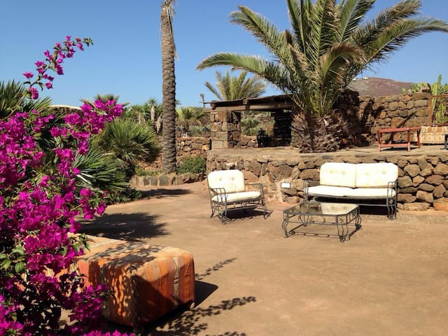 Dammuso LA PALMA, Pantelleria