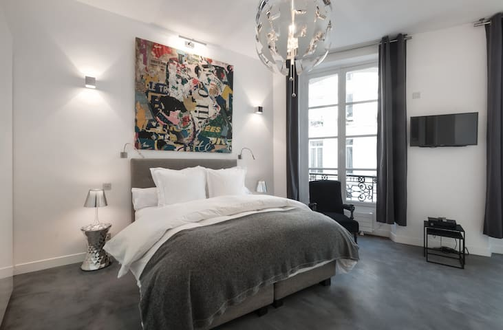 NEW FLAT IN MARAIS NEAR PLACE DES VOSGES