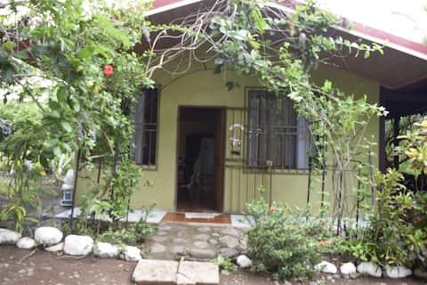 Casa de playa para vacacionar en Punta Morales