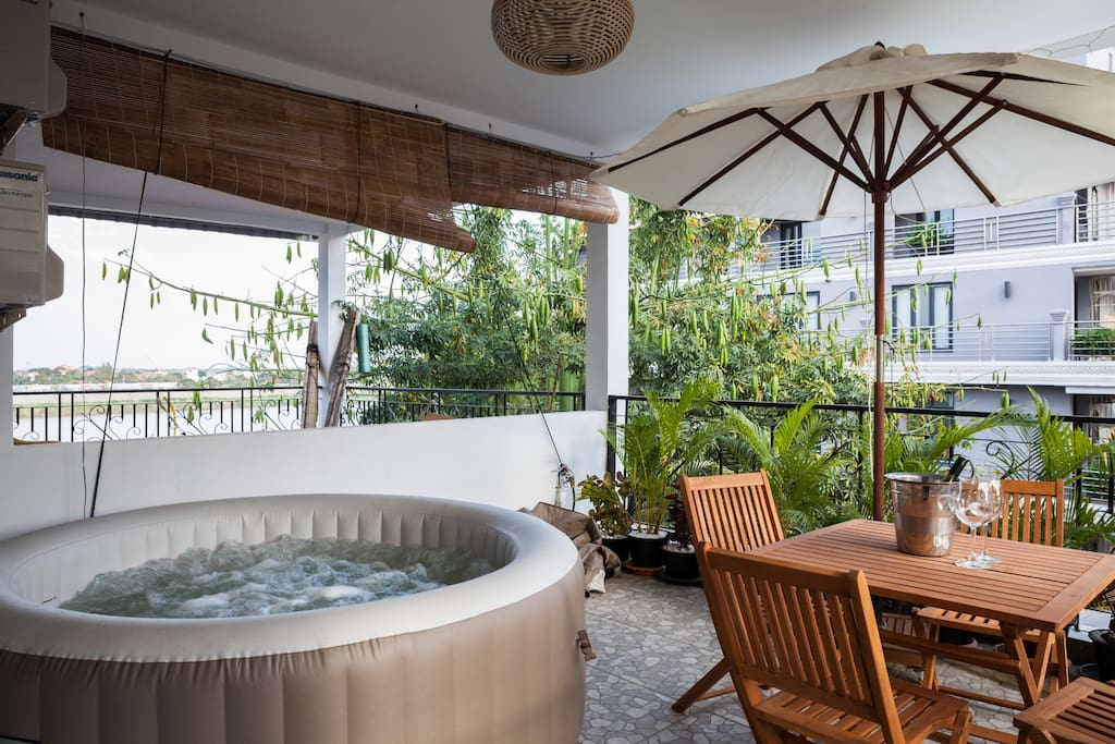 Our brand new hot tub will give you the opportunity to relax and enjoy the bubbles while enjoying stunning views over the Mekong and Tonle Sap