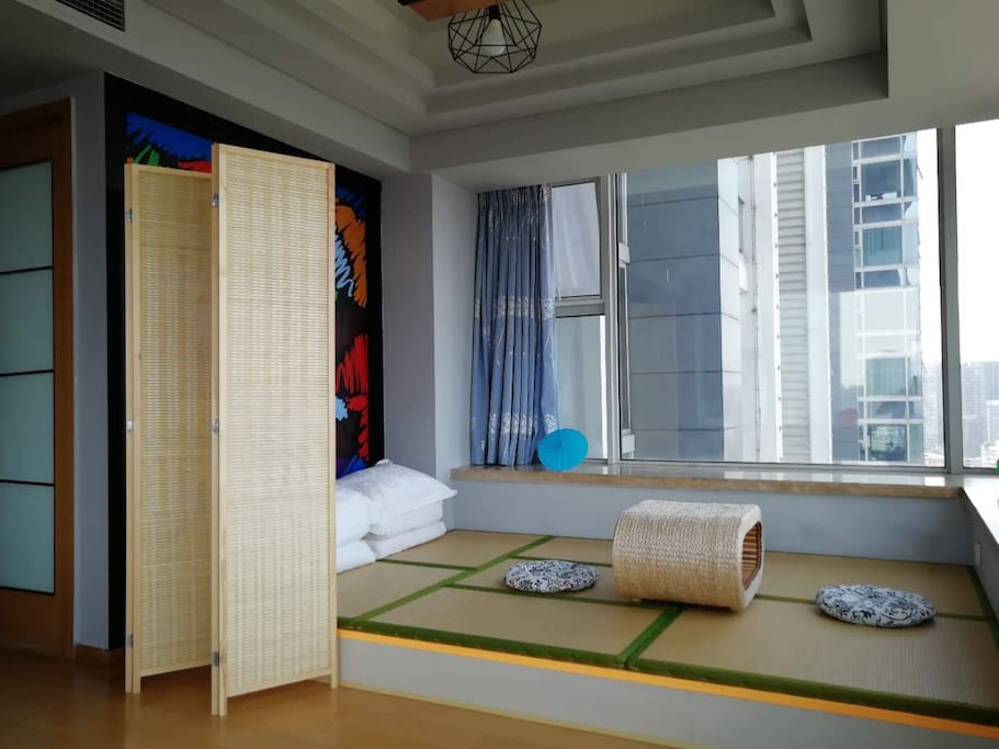 日式2x1.8榻榻米,即可喝茶聊天又可以睡觉休息