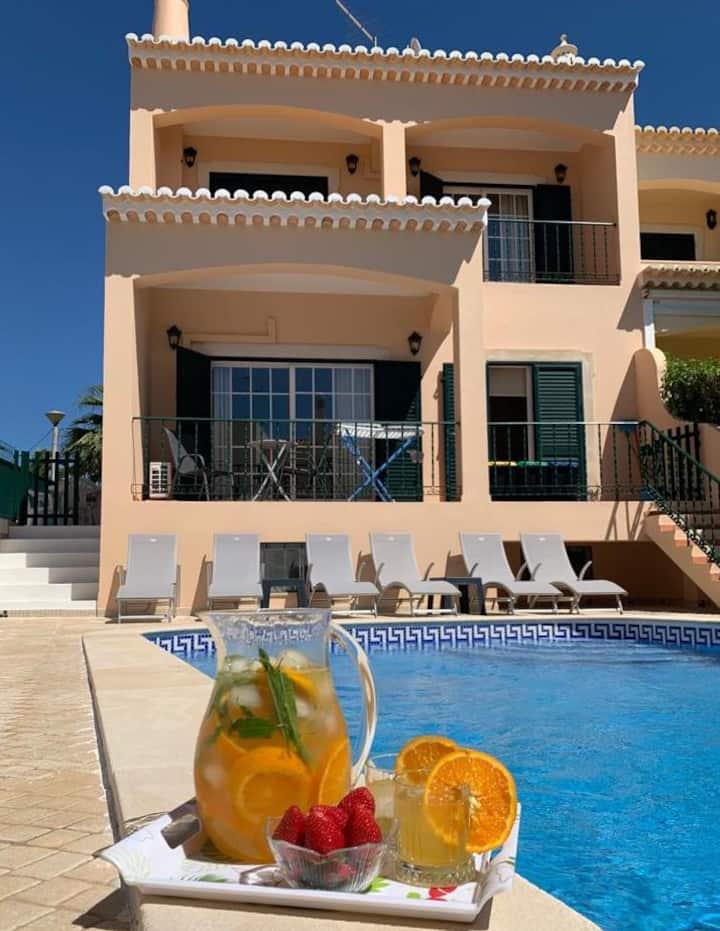 Casa das Roseiras, Ferragudo, Algarve, Portugal