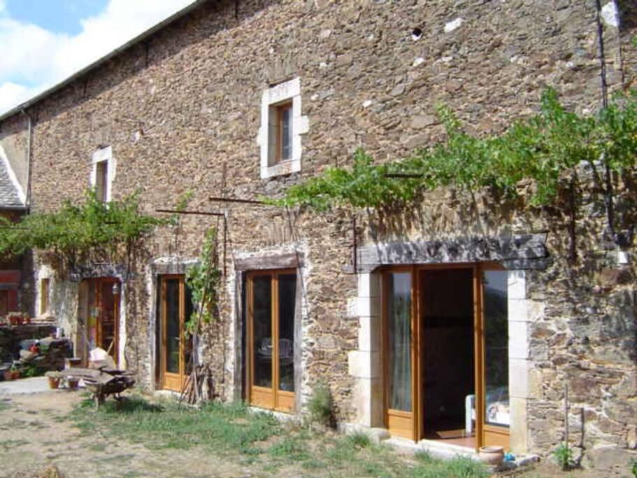 Chambre d 39 h tes avec salle de bain maisons louer for Maison hote pyrenees