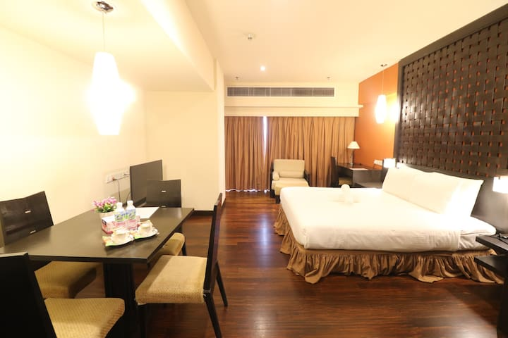 Raintree Resort Suites At bander sunway