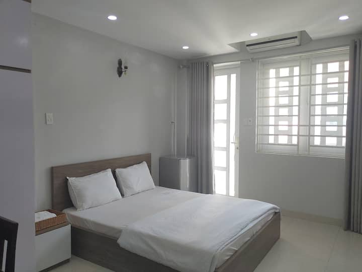 ECONOMIC STUDIO  1 BED - NEAR TSN  AIRPORT