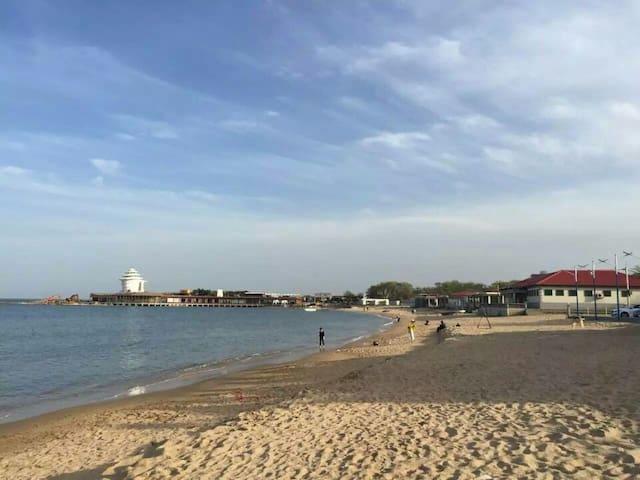 5分钟到海边,免费蒸煮海鲜的北戴河非常海宾馆家庭房(不接外宾) - Qinhuangdao - Otros