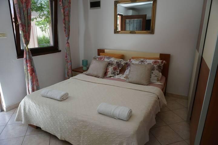 Apartments Biserka / Studio Iva A4