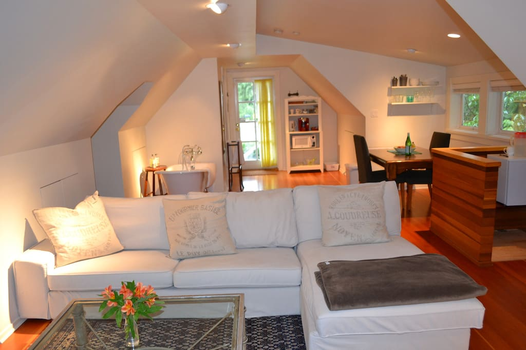 Spacious loft to relax & unwind. Very peaceful setting.