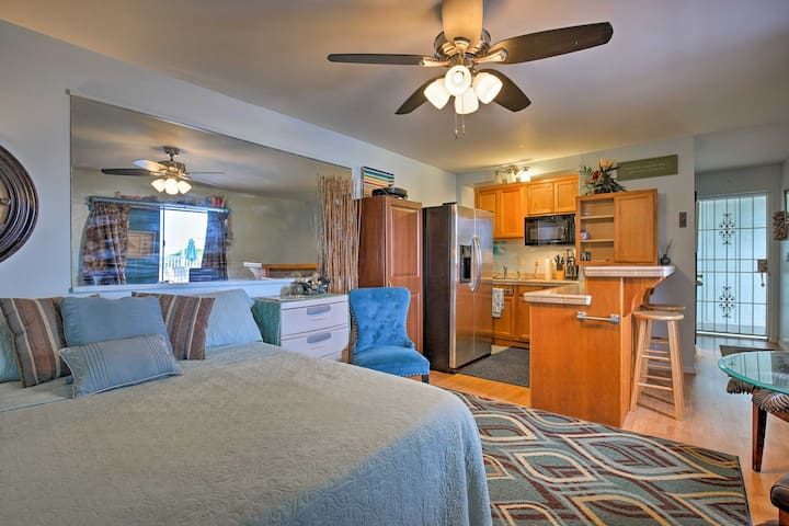 Centrally Located Kona Studio - 1/2 Mile to Beach!