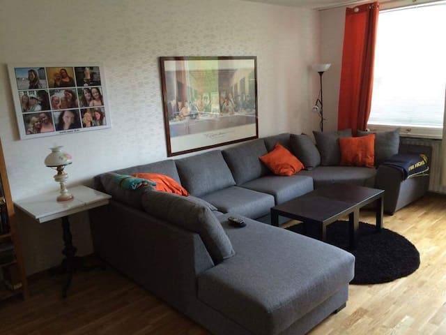 Mysig lägenhet , 15 min cykel från centrum - Linköping - Flat
