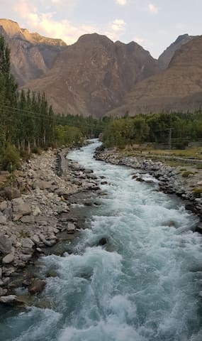 Mesmerizing Soothing View of Glacial Water R203