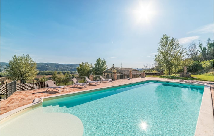 Holiday cottage with 3 bedrooms on 150m² in Torgiano PG