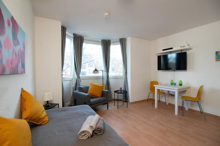 Apartment newly furnished in Düsseldorf Wersten