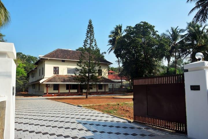 PALAT HERITAGE HOME, KERALA - PARVATHI ROOM