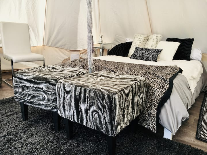 Exclusive Luxury Tent (near Provincial Park)