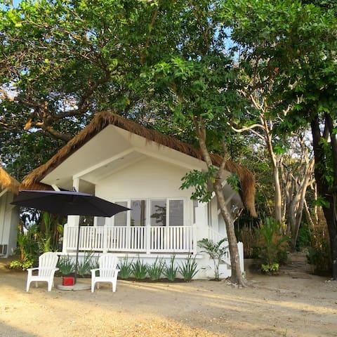 The Luxury Beach House, Lian Batangas