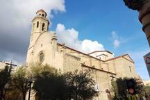 Plaza de la iglesia (a un minuto del apartamento)