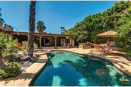 Palm Springs Paradise - Palm Springs