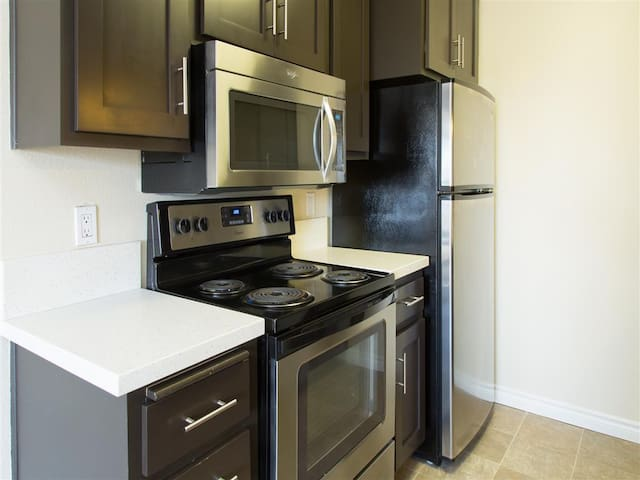 Live + Work + Stay + Easy | 1BR in San Diego