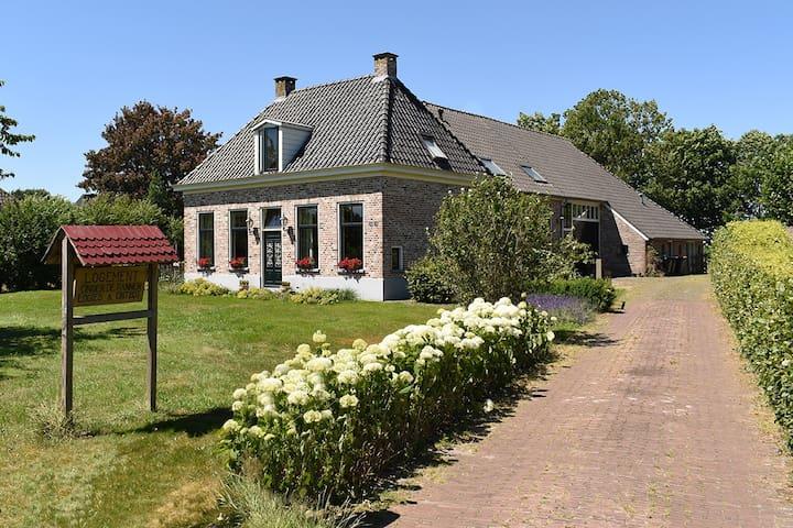 Kamer 3 (1-3 pers) landelijk gelegen, Ruinerwold.