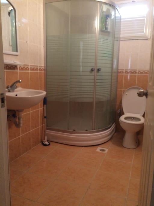Ortak banyo