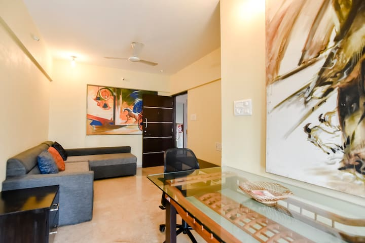 Spacious 01 BHK near Palladium mall in Lower Parel