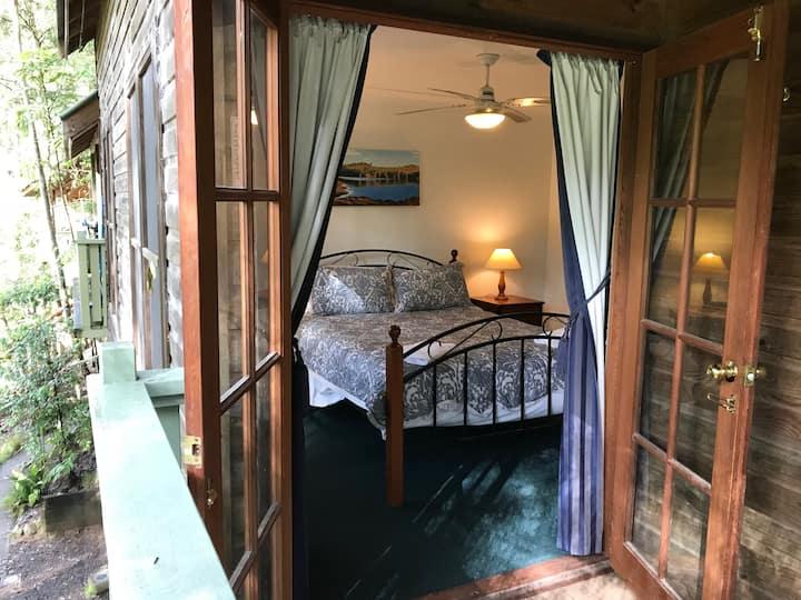 Enjoy affordable Autumn Rates for Lyrebird Cottage