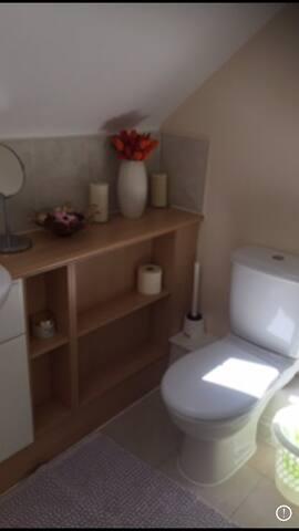 Beautiful En-suite double bedroom. Quiet Cul-de