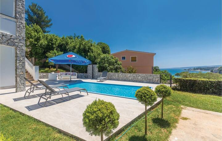 Stunning apartment in Krk with Outdoor swimming pool, Outdoor swimming pool and 2 Bedrooms