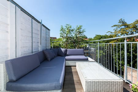 Beautiful City Rooftop Apartment  - Köln - Lejlighed