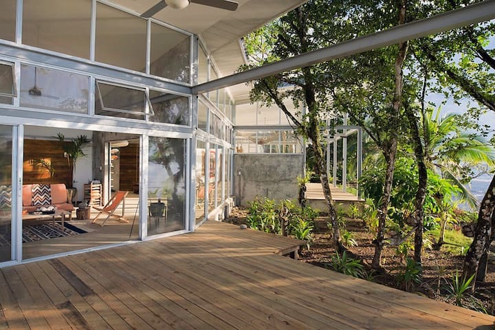 Casa Comunal- Entire House - Bocas del Toro - Hus