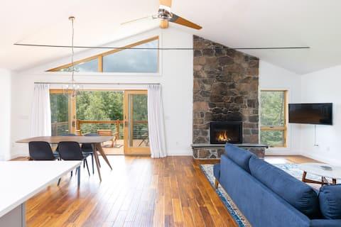 Modern Ski-Home With Views Near Hunter & Windham