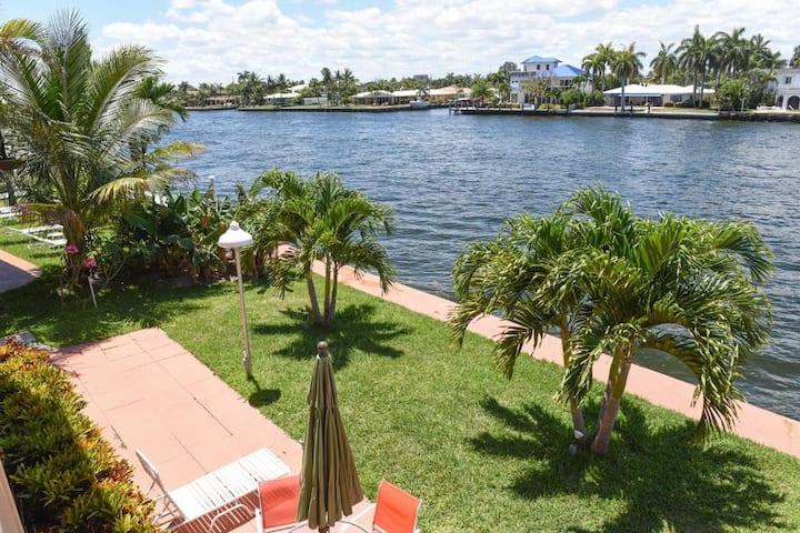 Fantastic Views !! Remodeled 1 Bdr at Aloha #10