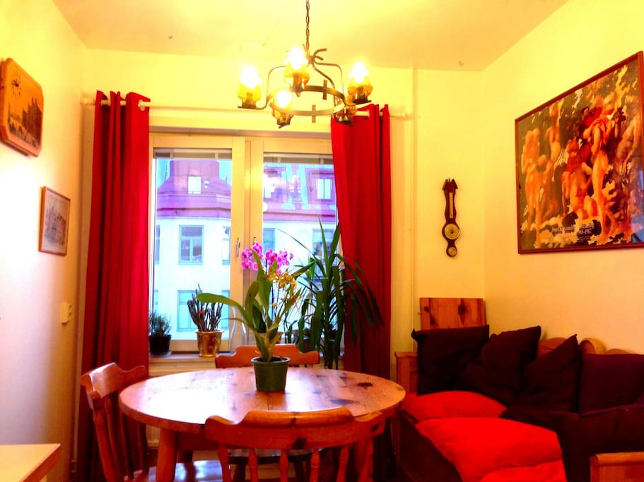 1 spot room for 2 sunny balcony apartments for rent for Kitchen and table orebro
