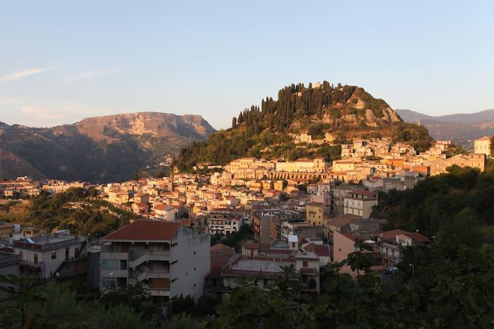 Casa accogliente collinare - Monforte San Giorgio - 一軒家