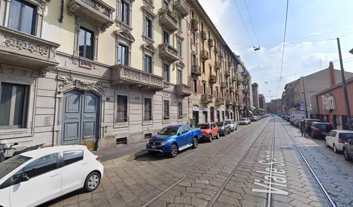 Sofa-bed in bilocale a 20-min. piedi dal Duomo