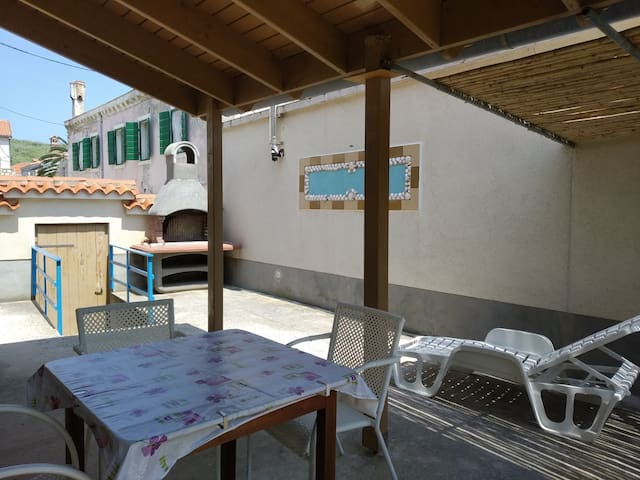 Susak Apartment Near The Sea! | App. 1