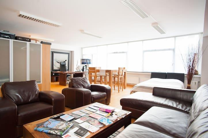 Grand Place nice quiet loft 75 m² - Bruselas - Loft