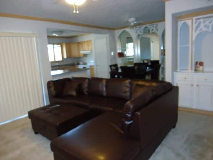 Beautifully Furnished in Addison