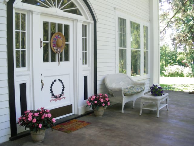 BnB Guest Suite near Saratoga  - Broadalbin - Bed & Breakfast