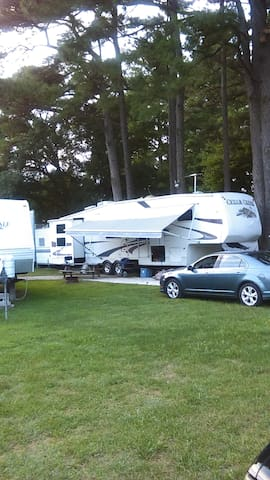 RV that close the beach and plenty of shopping