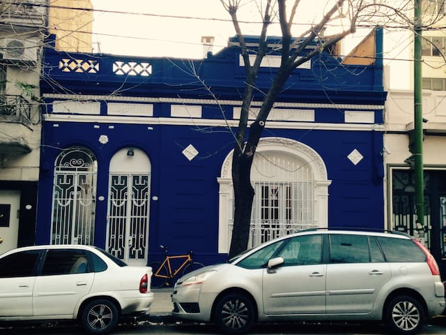 Beautiful House - Subway D (II) - Buenos Aires - Hus
