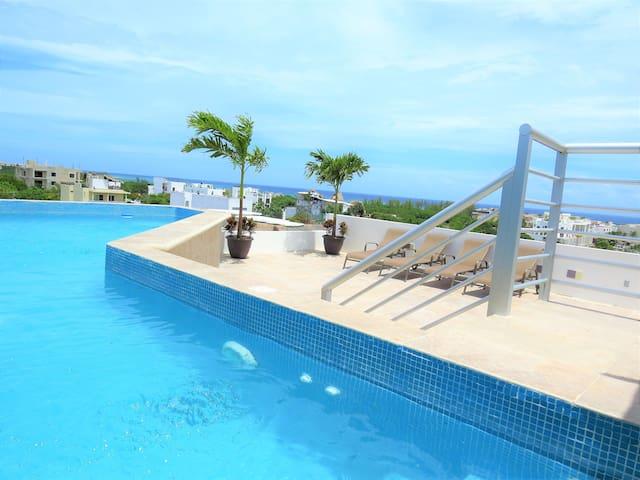Luxury suite half block to 5th ave 3´ Cocos beach