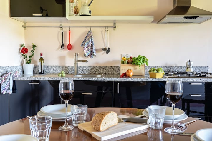 Le Albicocche:stunning big apartment in the peaceful umbrian hill with pool