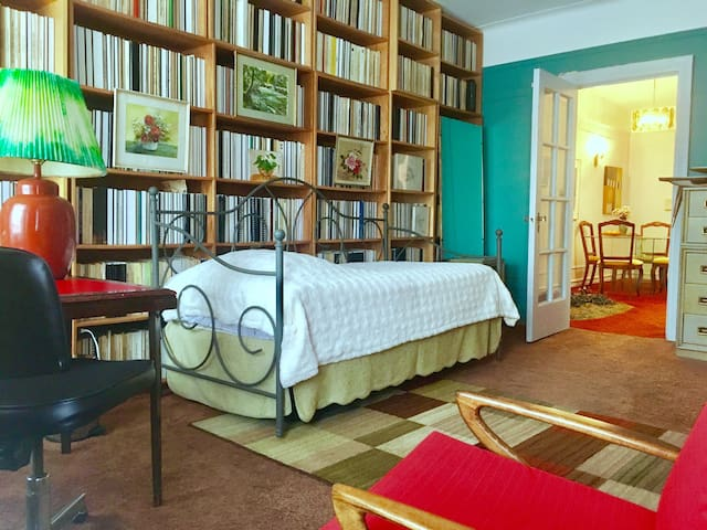 Charming Private Library-Room