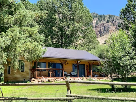 Sage Cabin- 4 Miles from YNP & Hot Springs