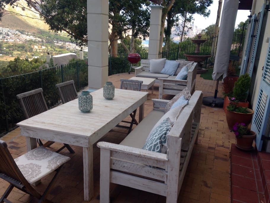 Front patio with majestic views, and yes, all braai facilities.