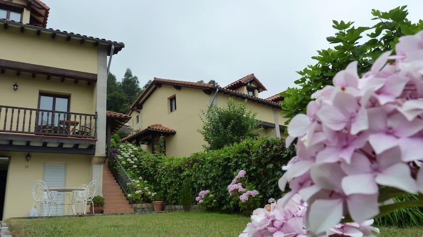 Casa con Jardin y dos Terrazas - Pechón - Dům