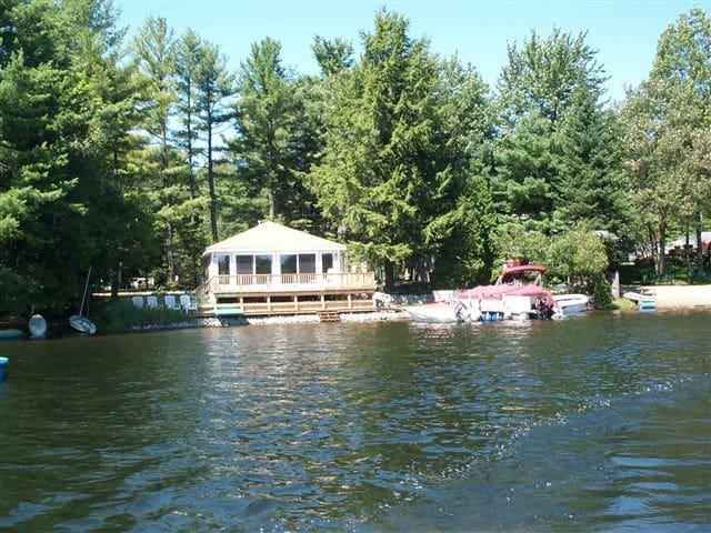 Adirondack NY Lakefront Vacation - Gloversville - Mökki